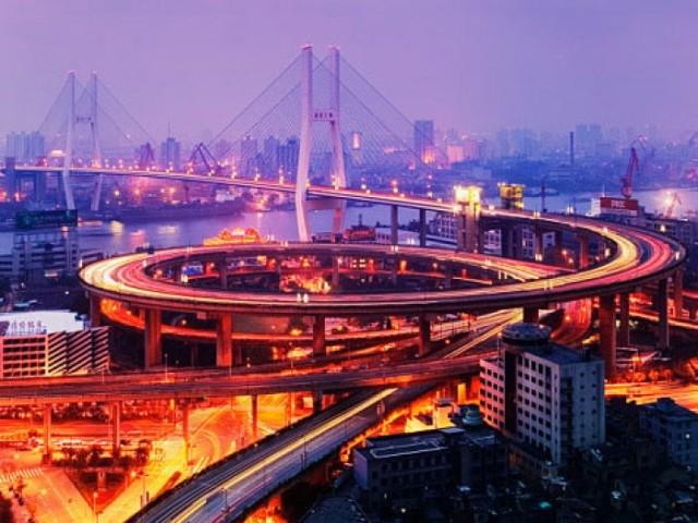 Китай, вечер - фотогалерея Китай: Азия / Авто мир / Лаборатория автотюнинга Auto Labs
