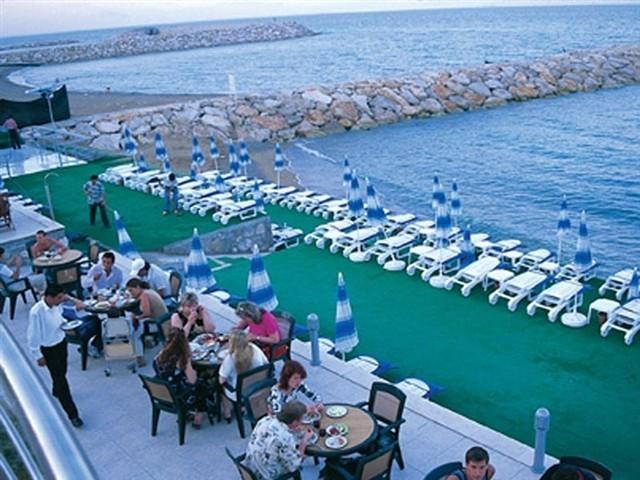 Aqua bella beach hotel 4 фото