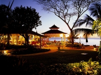 Coral Reef Club - evening entertainmen