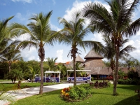 Barcelo Maya Grand Resort - територия отеля