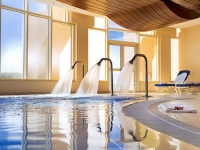 Golden Tulip Khatt Springs Resort   Spa - бассейн