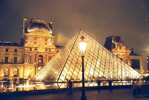 В заманчивом париже… новогодний тур