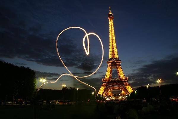 Картинки по запросу день святого валентина париж